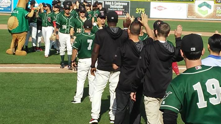 Loons win 'Penultimate Game' of 2017 MWL season with 8-7 victory over the Lake County Captains